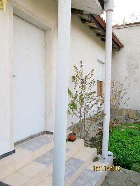 Трехэтажный дом в с. Маринка